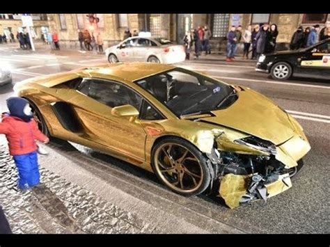lamborghini veneno crash gold lamborghini aventador crash in poland 01 01 2017 2