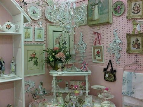 1000 images about shabby chic style yardsale ideas on pinterest pink painting beach cottages