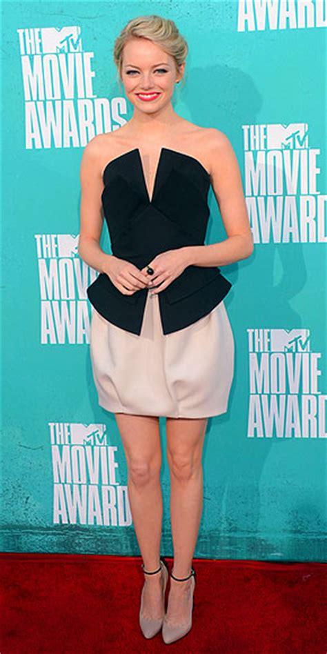 emma stone funny fashionable 4 new films vogue vogue mtv movie awards style stars people com