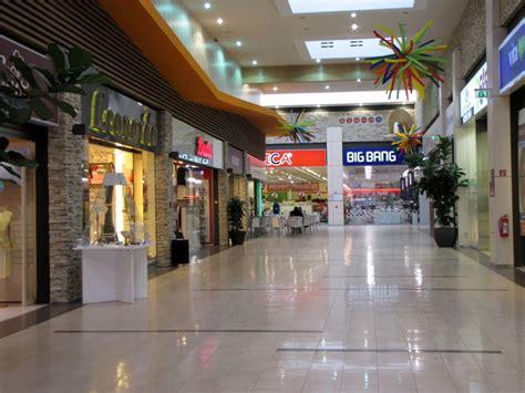 negozi a porte di catania catania bene comune quot no all apertura dei centri