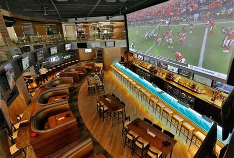 hi tops in memoriam chicago bar project the best sports bar in every nfl city thrillist