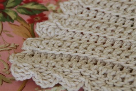 Simple Crochet Baby Blanket Patterns by One Rayndrop Classic Baby Blanket