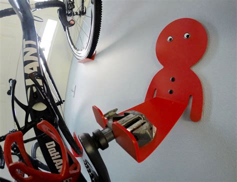 Bike Mount Rack Gantungan Hook Sepeda dahanger dan space saving bike hook review 187 the gadget flow