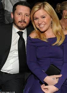 kelly clarksons husband cheating brandon blackstocks ex kelly clarkson s husband s ex wife reveals they re all one