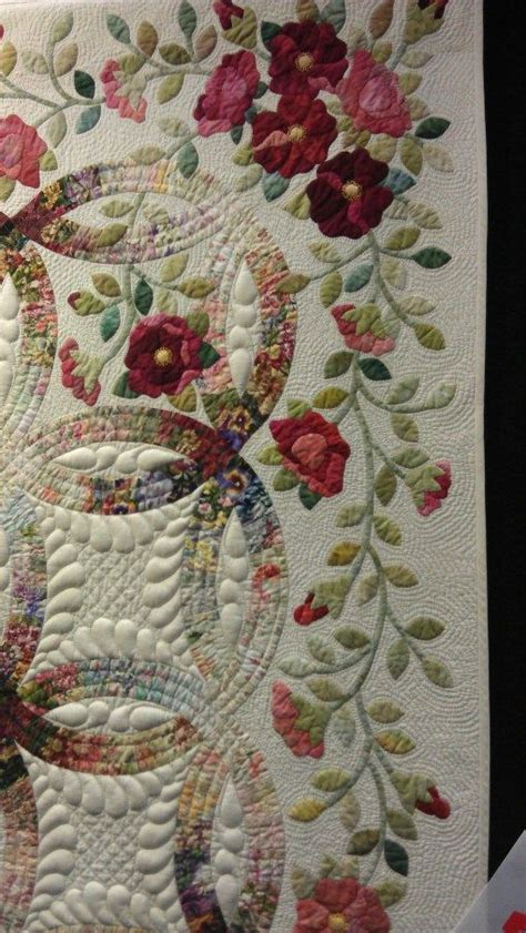 applique wedding ring quilt pattern double wedding ring with applique omg the detail and