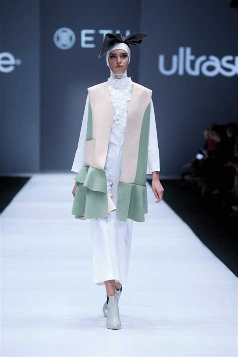 On The Fashion Web This Week by In Picture Jakarta Fashion Week