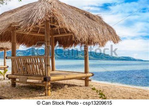 tiki hutte tarif photographies de bambou hutte plage mer csp13209615
