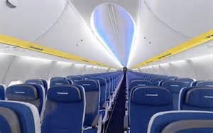 ryanair neue kabine mehr beinfreiheit und platz f 252 r gep 228 ck