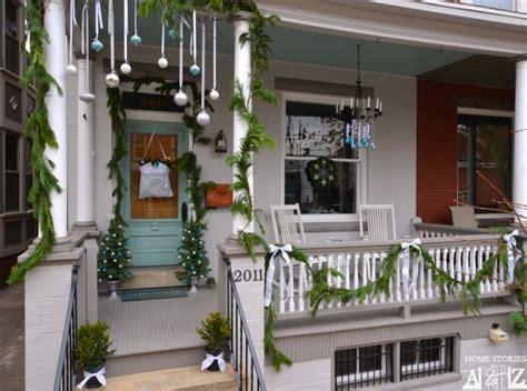 decorating porch column for xmas porch