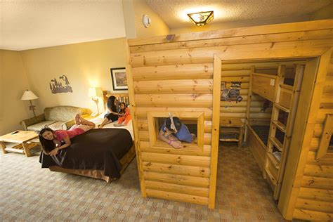great wolf lodge bedrooms great wolf lodge with teenage kids the vacation gals