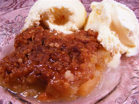 easy apple crisp recipe dessert food com