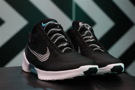 self tying sneakers for nike the hyperadapt self tying shoes are the