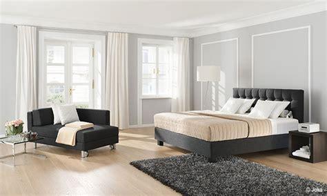 schlafzimmer mit polsterbett schlafzimmer mit polsterbett haus design ideen