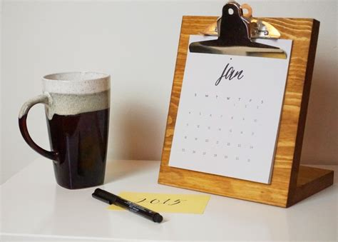 Diy Desk Calendar Need A Desktop Calendar Check Out These Fab Diy Ideas
