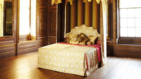 royal beds good night s sleep on 175 000 royal bed by savoir beds