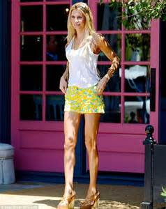 brandi house wives of beverly hills short hair cut brandi glanville highlights her long slender limbs in tiny