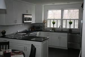 Backsplash With Uba Tuba Granite by Black Granite Countertops A Daring Touch Of