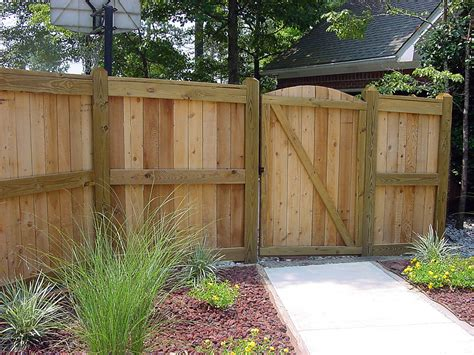 backyard privacy fence united fence hattiesburg mississippi