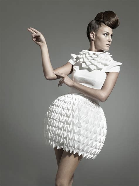 Origami Fashion Designers - 10 modern and creative fashion designs inspired by origami