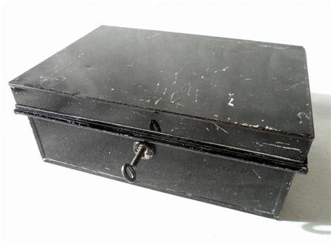 Vintage Black Pilot Made in England Metal Cash Money Deed Strong Box Tin Full Working Lock & Key