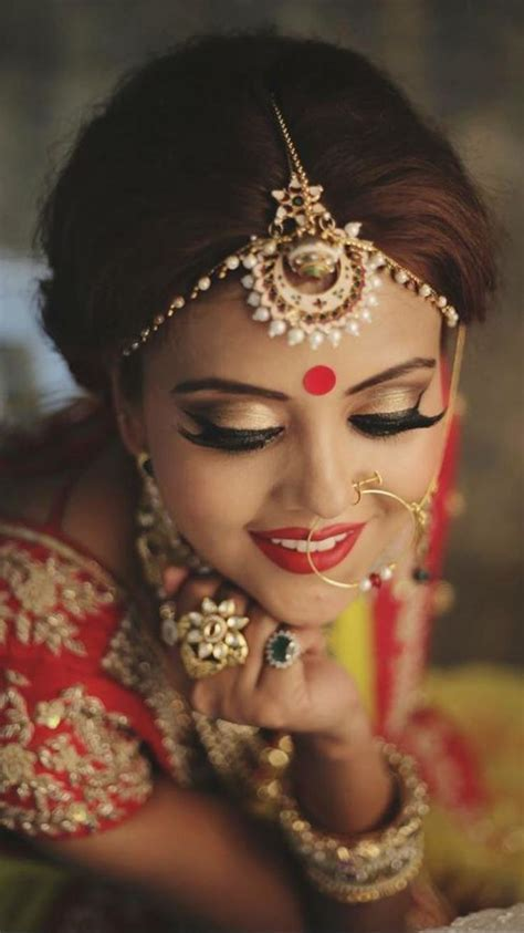 1000  ideas about Indian Wedding Hairstyles on Pinterest