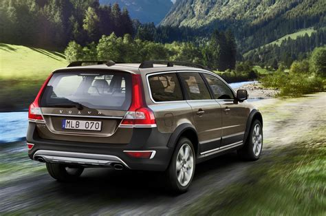 2014 volvo xc70 review 2014 volvo xc70 reviews and rating motor trend