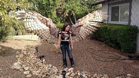 angelo anzalone gli umani la un paio di ali per umani si aprono come quelle di un