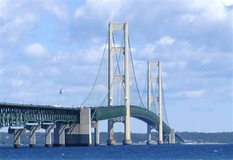 mighty mac the bridge that michigan built books wisz艱cy most mackinac bridge usa