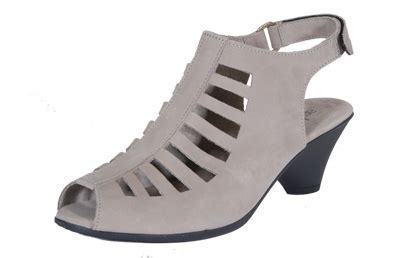 comfortable walking shoes for paris 17 best images about comfortable shoes i could wear in
