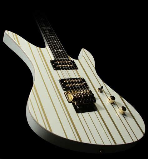 Gitar Shecter Snynyser Gates 2 synyster gates custom schecter guitar gates guitar and synyster gates