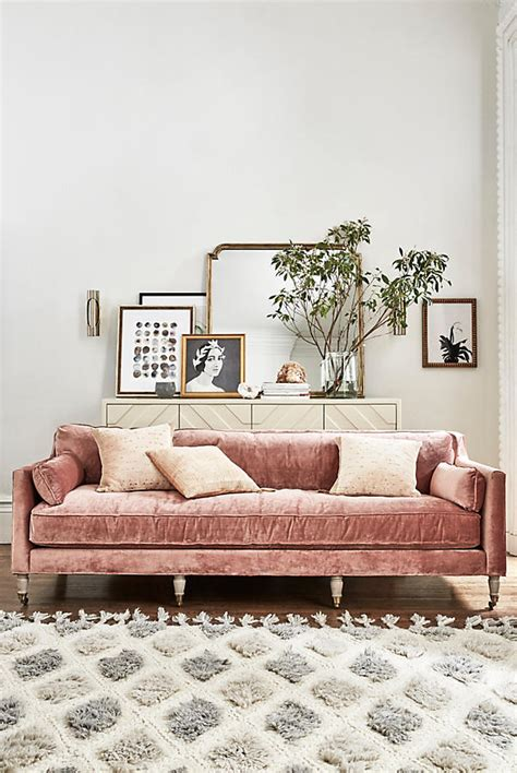 pink velvet sofa 10 velvet sofas to put in your living room immediately