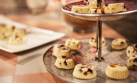 Ricette Cioccolatini Fatti In Casa by Dolci Veloci Cioccolatini Fatti In Casa Con Mix Di Frutta