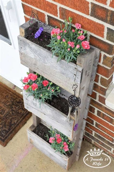 Wooden Garden Planters Ideas by 17 Best Ideas About Wood Pallet Planters On
