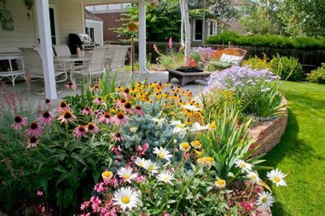 Creer Un Jardin Fleuri Toute L ée by Id 233 E Parterre De Fleurs Modele Amenagement Exterieur