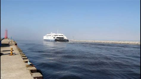 muskegon catamaran ferry lake express high speed ferry leaving muskegon michigan in