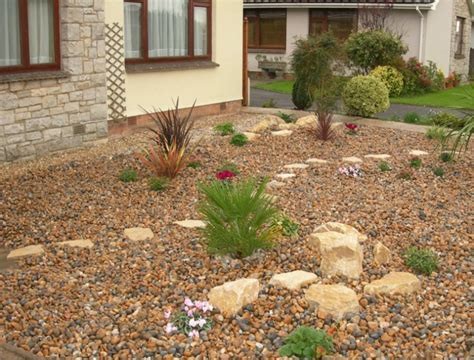 Berm House by A Low Maintenance Front Garden 171 Gbd Garden Design