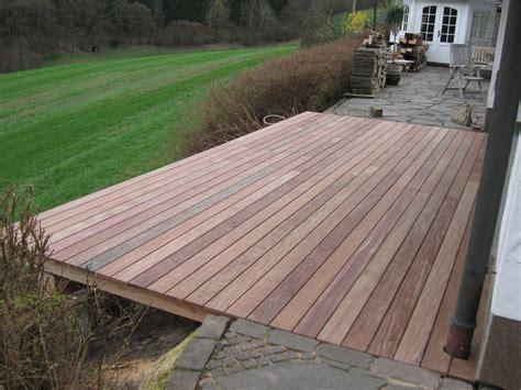 tropenholz für terrasse tropenholz terrasse hochbeete holz jaeger tropenholz