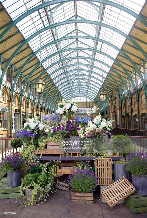 Flowers Covent Garden Flowers Display In Covent Garden Market Stock Photo Getty Images