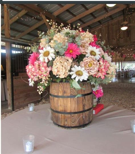 25 best ideas about country decorations on country wedding decorations