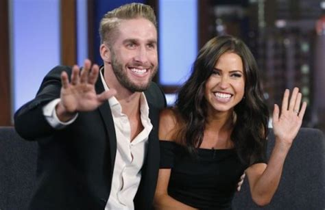 this bachelor couple says the show s producers don t bachelorette couple kaitlyn bristowe shawn booth say