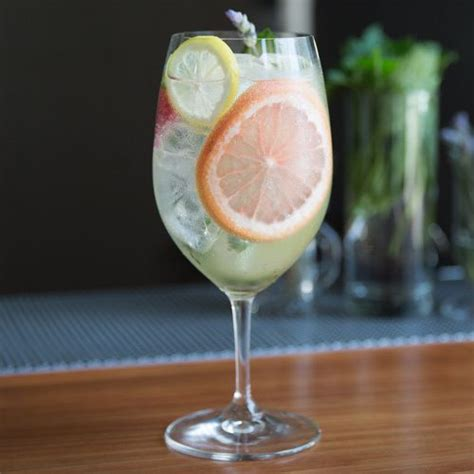classic summer cocktails gin and tonic a quintessentially classic summer cocktail