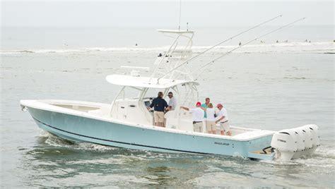 regulator boat company regulator marine unveils new 41 footer trade only today