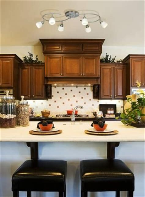 track lighting for the kitchen 25 best ideas about kitchen track lighting on pinterest