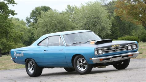 plymouth roadrunner wallpaper plymouth road runner wallpaper and background 1600x900