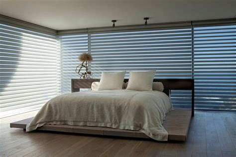 Bedroom Blinds House In California Brings The Indoors