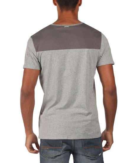 bench shirt for men bench board v neck graphic t shirt in gray for men lyst