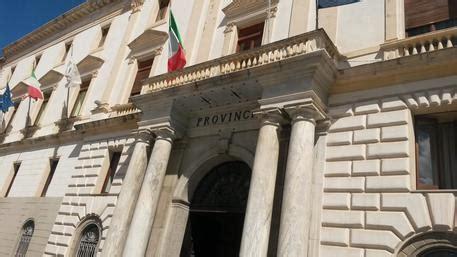 prefettura di potenza ufficio patenti riordino delle province la regione intervenga al pi 249