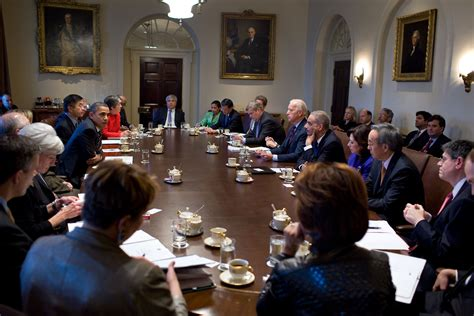 What Is The President S Cabinet by President Obama Holds A Cabinet Meeting In Photos