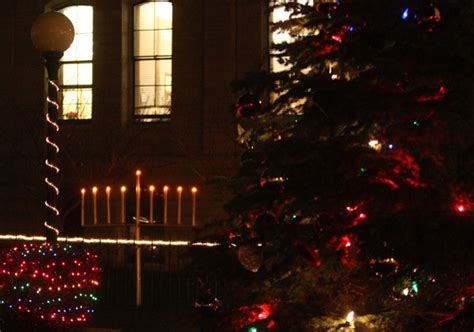 syracuse tree lighting 2017 oswego museums offer free admission during city s annual