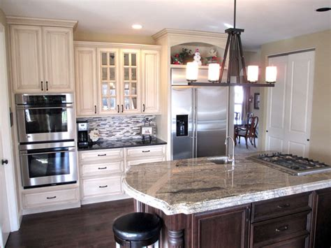 cream kitchen cabinets with glaze cream painted cabinets with glaze traditional kitchen